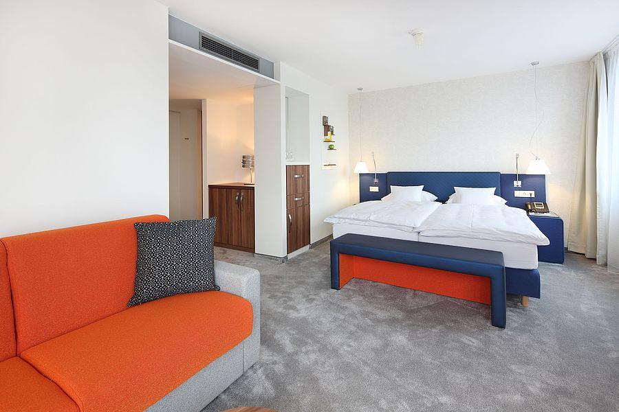 komfortable einzelzimmer in t bingen hotel krone. Black Bedroom Furniture Sets. Home Design Ideas